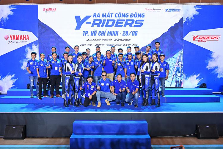 Các thành viên Y-Riders Club trong lễ ra mắt tại TP HCM.