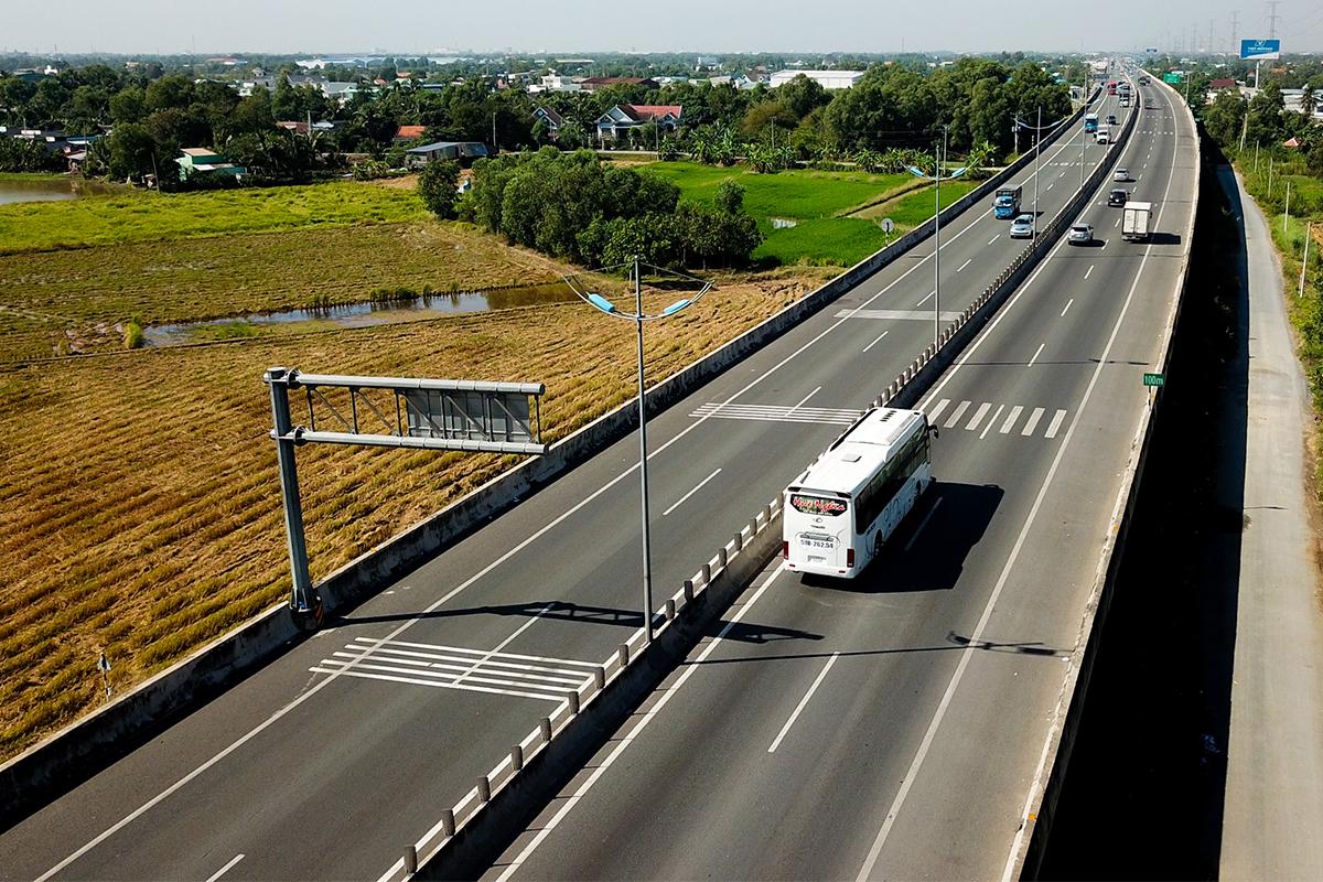 Cao tốc TP HCM - Trung Lương đang không thu phí phương tiện lưu thông.  Ảnh: Quỳnh Trần.