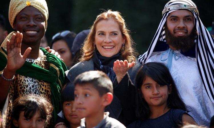 Đệ nhất phu nhân Mexico Beatriz Gutierrez (giữa) dự một lễ kỷ niệm ở thủ đô Mexico City hồi tháng 1. Ảnh: Reuters.