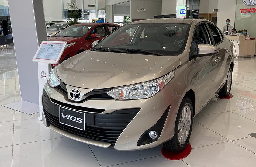 Một mẫu Vios tại đại lý Toyota ở TP HCM. Ảnh: Phạm Trung