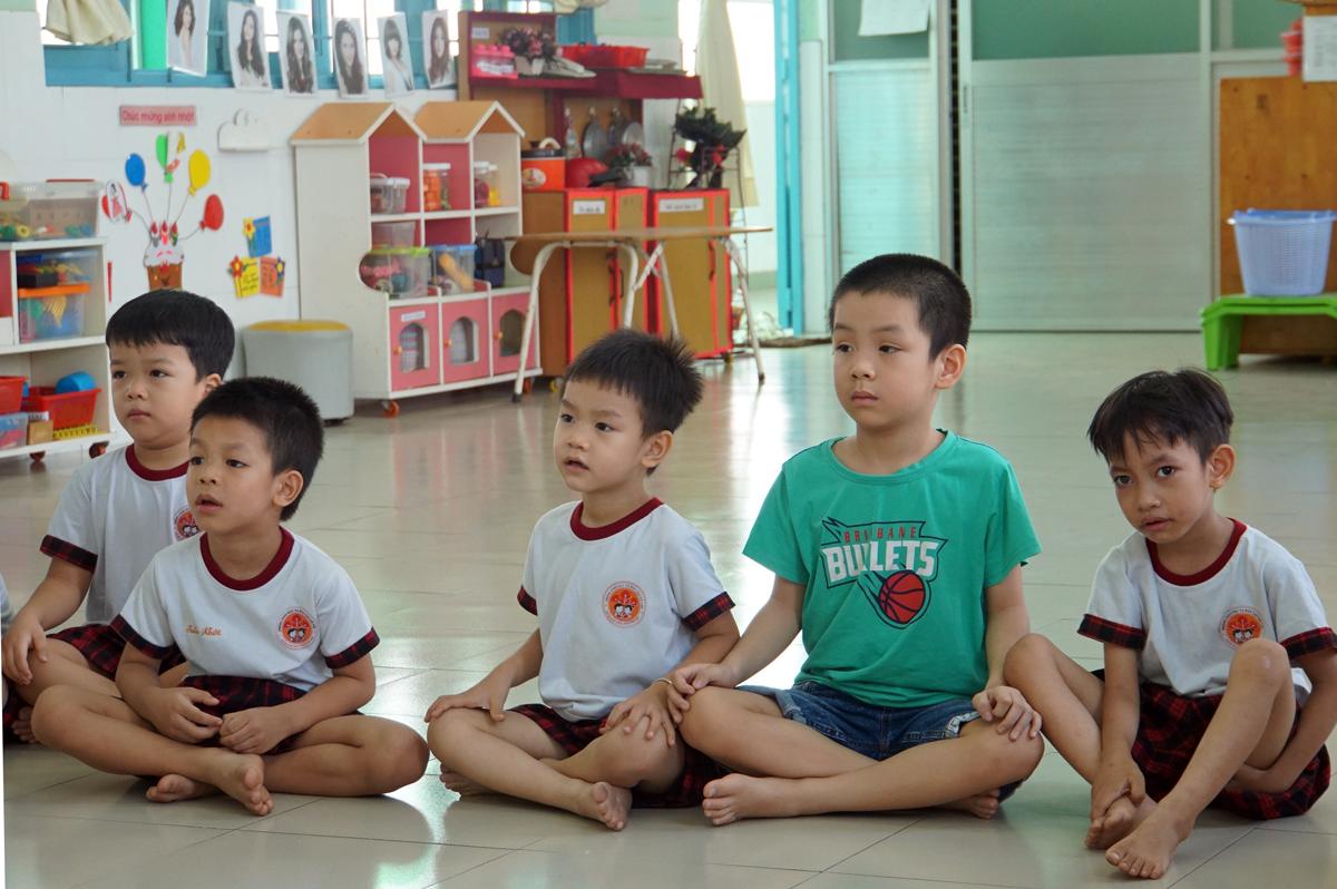 Học sinh trường Mầm non Hoa Phượng Đỏ (quận Gò Vấp) trong một buổi học tháng 5. Ảnh: Mạnh Tùng.