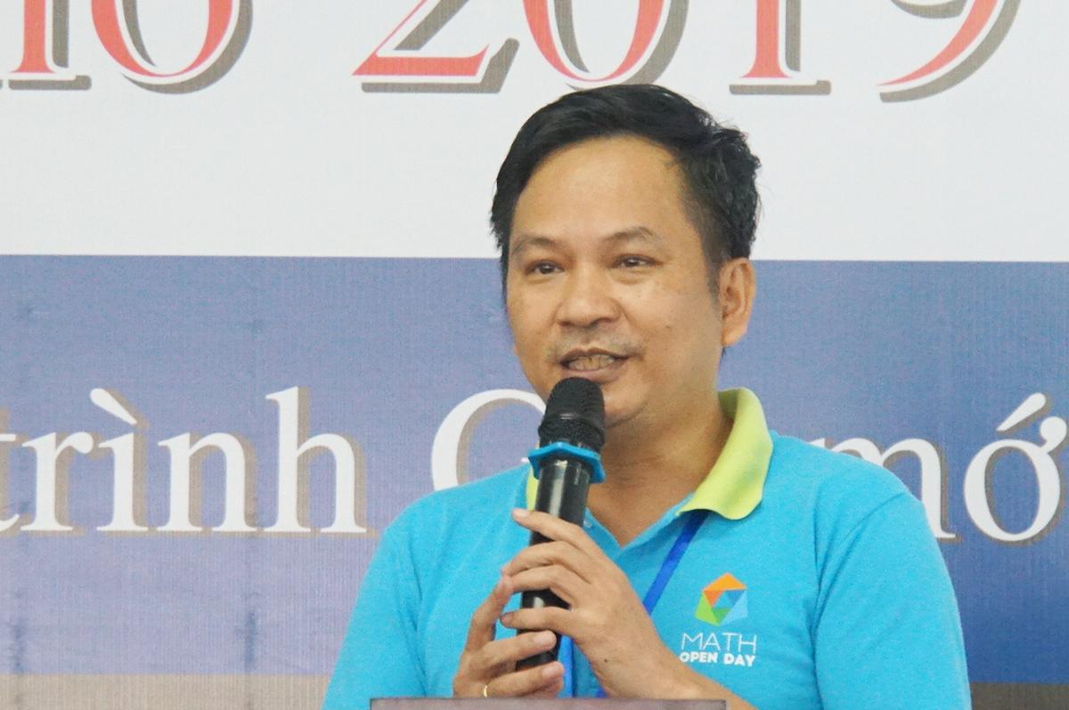 TS Trần Nam Dũng tại ngày hội Toán học mở (TP HCM)  tháng 11/2019. Ảnh: Mạnh Tùng.