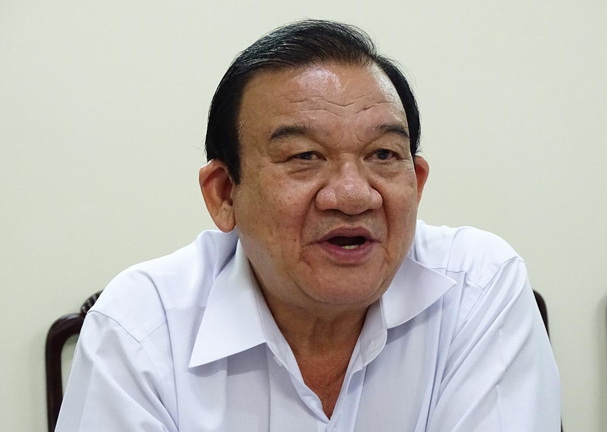 Ông Lê Minh Tấn trao đổi với VnExpress chiều 3/7 về lao động bị ảnh hưởng dịch Covid-19.  Ảnh: Hà An.