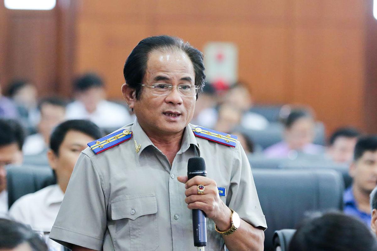 Ông Trần Phước Thu trả lời tại phiên thảo luận chiều 7/7. Ảnh: Nguyễn Đông.