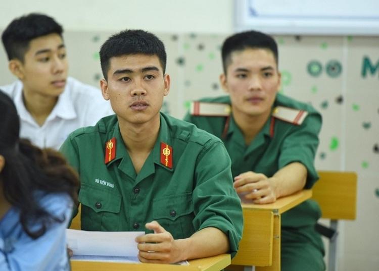 Thí sinh dự thi THPT quốc gia năm 2019 tại Hà Nội. Ảnh: Giang Huy.