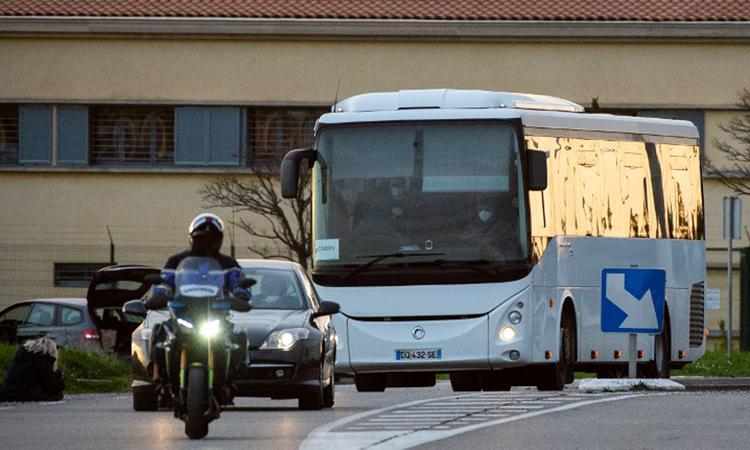 Một chiếc xe buýt ở thành phố Bayonne, tây nam nước Pháp. Ảnh: AFP.