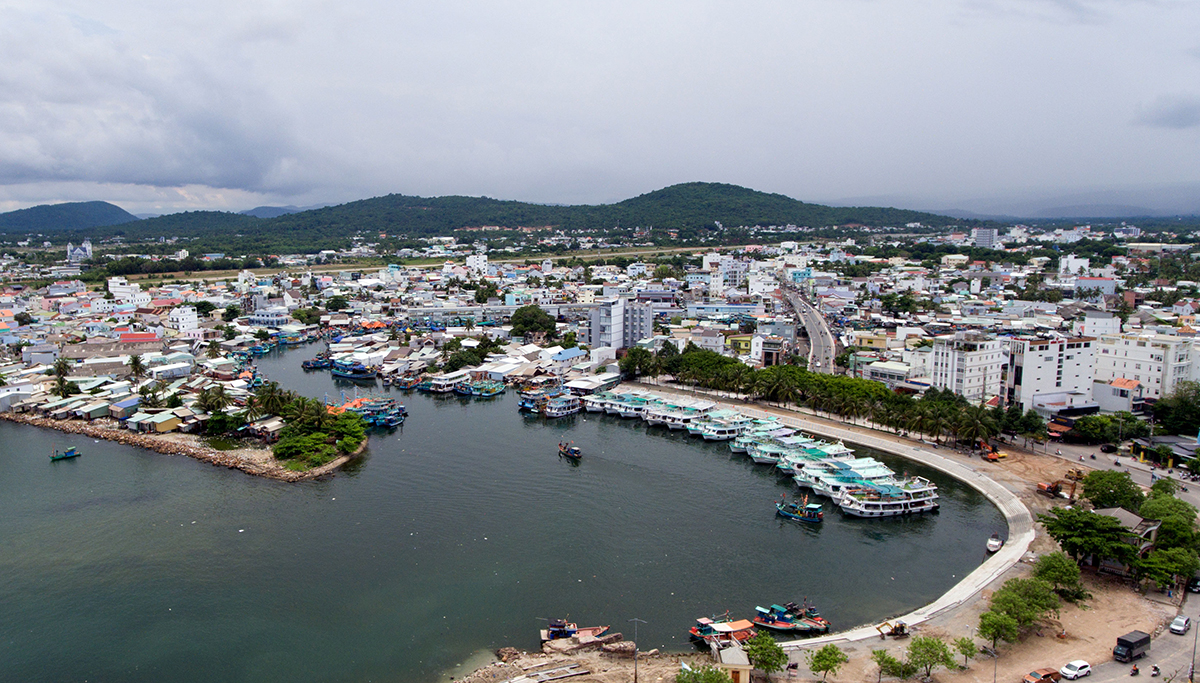 Một góc thị trấn Dương Đông trên đảo Phú Quốc. Ảnh: Cửu Long