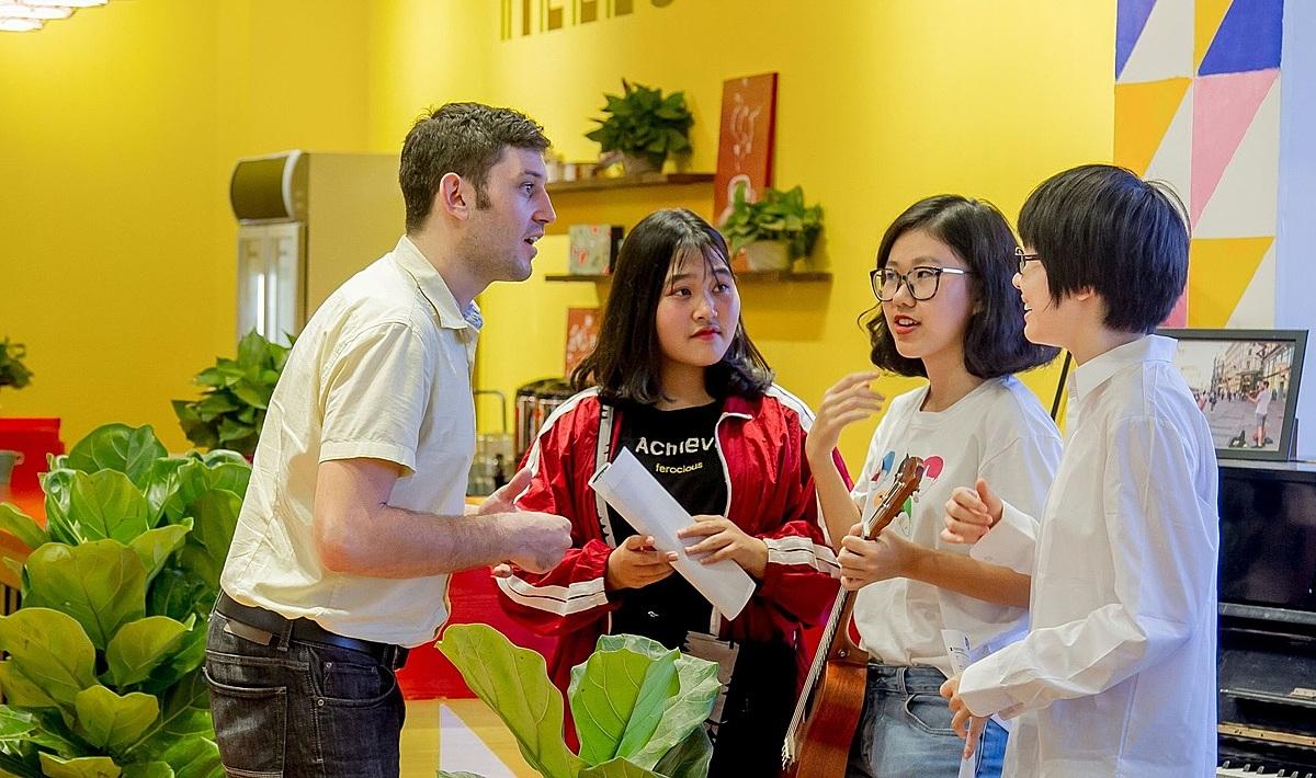 Phòng chờ Du học cung cấp môi trường quốc tế cho học sinh.