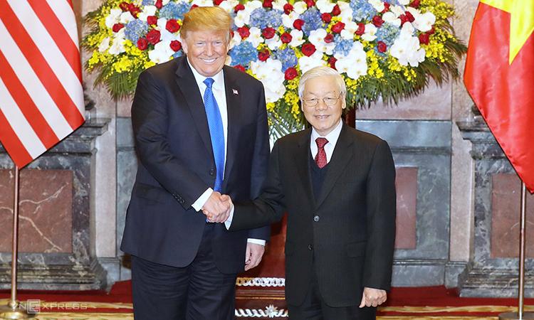 Tổng bí thư, Chủ tịch nước Nguyễn Phú Trọng (phải) và Tổng thống Mỹ Trump tại Hà Nội tháng 2/2019. Ảnh: Ngọc Thành.