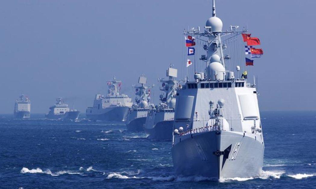 Tàu hải quân Trung Quốc diễn tập trên Biển Đông năm 2016.