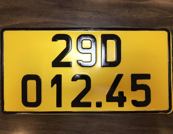 Mẫu biển số vàng do Cục CSGT thiết kế. Ảnh: Cục CSGT cung cấp
