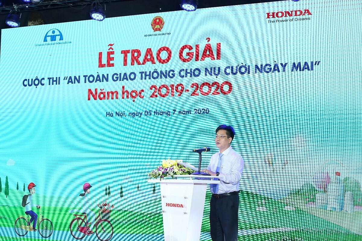 Ông Nguyễn Xuân Thành, Vụ Trưởng Vụ Giáo dục Trung học, Bộ GD&ĐT chia sẻ tại sự kiện.
