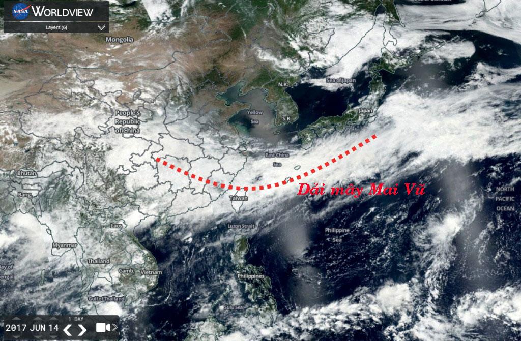 Dải mây Mai Vũ ở miền trung Trung Quốc năm 2017. Ảnh: NASA.