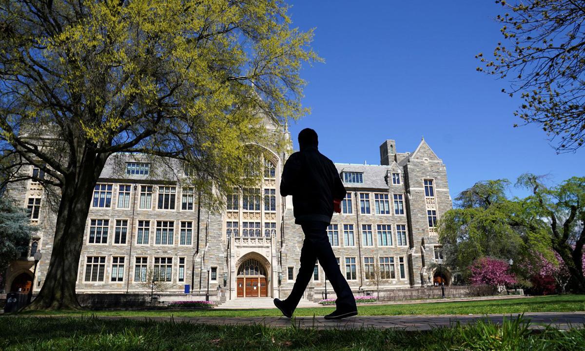 Khuôn viên Đại học Georgetown tại thủ đô Washington, Mỹ, hôm 3/4. Ảnh: Reuters.