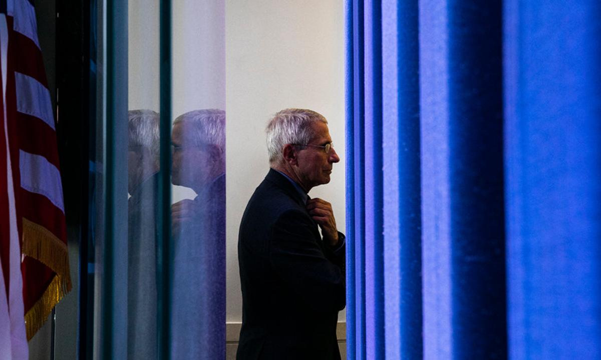 Cố vấn y tế Anthony Fauci tại Nhà Trắng hồi tháng 4. Ảnh: NYTimes.