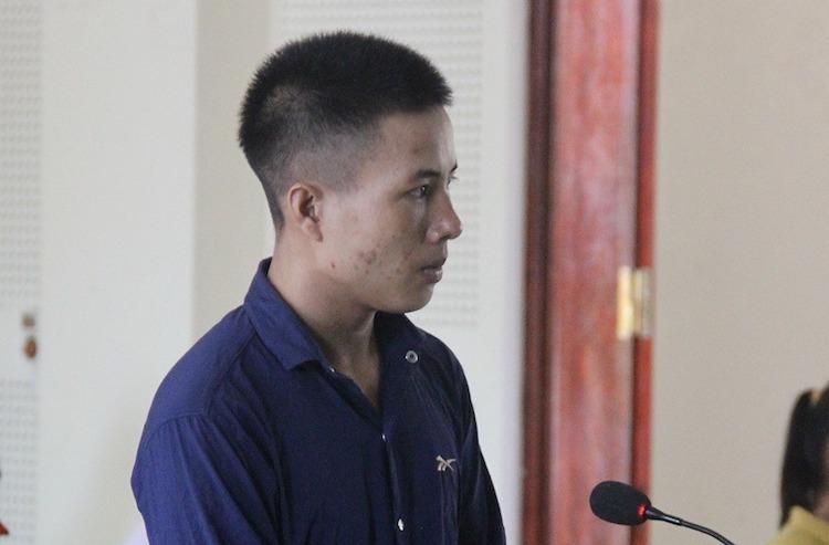 Lương Văn Pắn tại tòa.