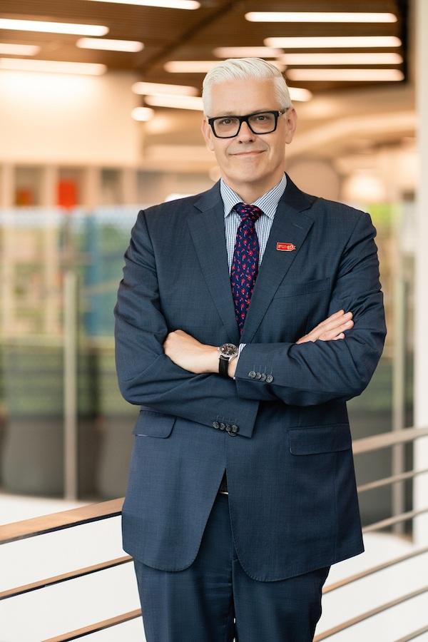 thầy Christopher Jeffery - Giám đốc Học vụ, trường ĐH Anh Quốc Việt Nam