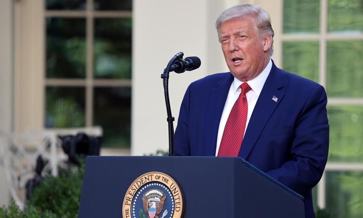 Tổng thống Mỹ Donald Trump ngày 14/7 phát biểu tại Vườn Hồng, Nhà Trắng. Ảnh: Reuters.