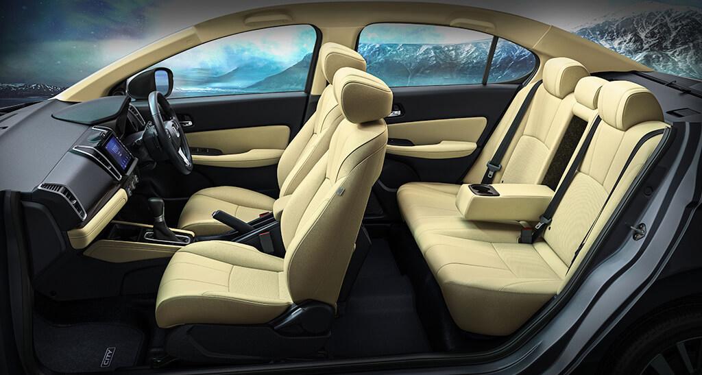 Nội thất với ghế nỉ ở bản V, và bọc da ở các bản cao hơn. Ảnh: Honda