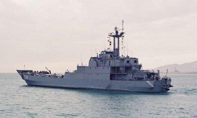 Tàu đổ bộ KRI Teluk Jakarta khi còn hoạt động. Ảnh: Naval News.