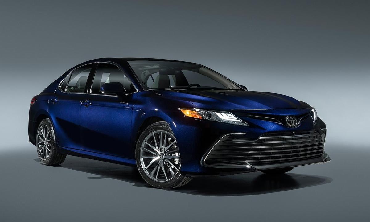 Camry 2021 gần như không thay đổi ở ngoại hình, chủ yếu nâng cấp công nghệ. Ảnh: Toyota