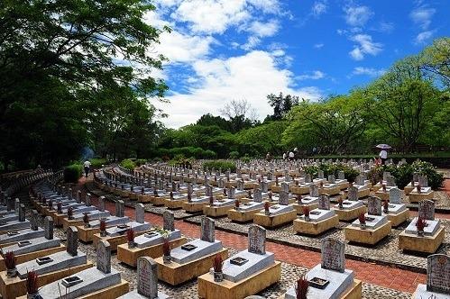 Một góc Nghĩa trang Trường Sơn, nơi có hơn 10.300 phần mộ liệt sĩ. Ảnh: quangtri.gov.vn.