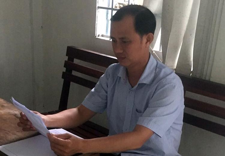 Lê Văn Trứ, Phó giám đốc Văn phòng đăng ký đất đai quận Bình Thủy, trưa 16/7. Ảnh: Cửu Long.