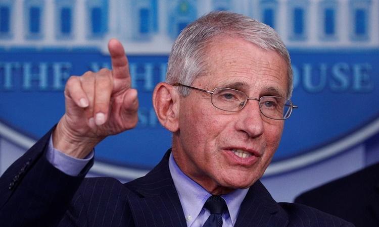 Cố vấn y tế Nhà Trắng Anthony Fauci tại họp báo ở Nhà Trắng hồi tháng 4. Ảnh: Reuters.