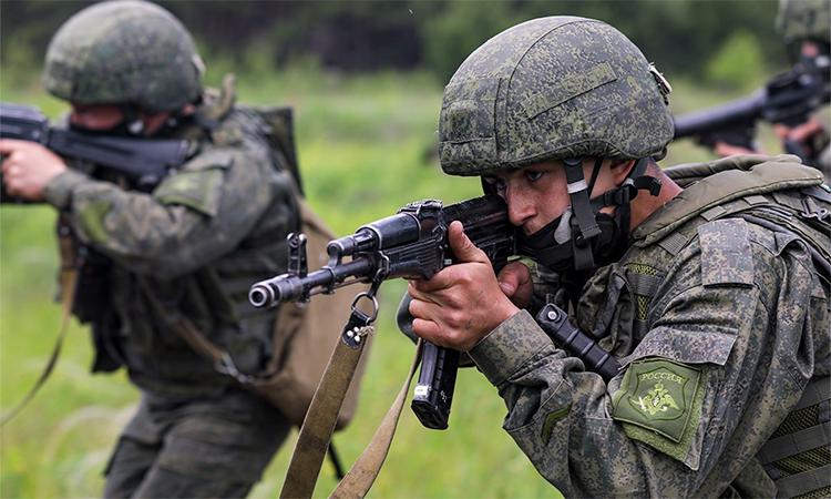 Quân nhân Nga tham gia huấn luyện tại Voronezh, ngày 13/7. Ảnh: BQP Nga.