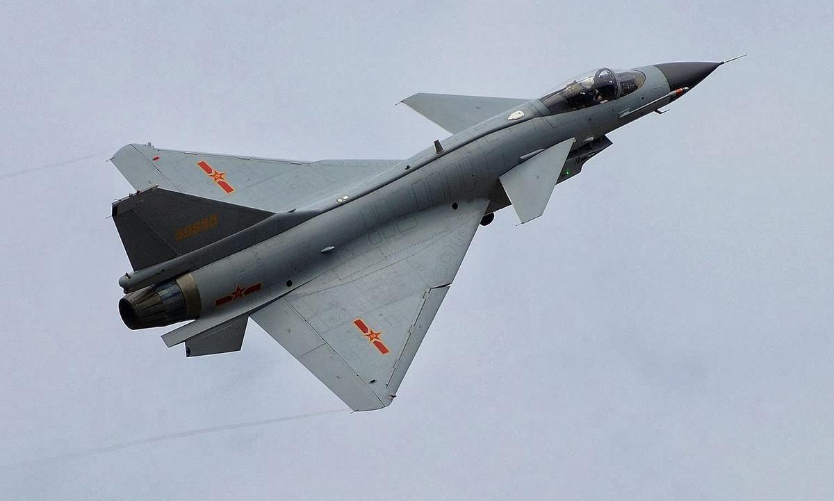 Tiêm kích J-10 của quân đội Trung Quốc. Ảnh: AP.