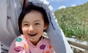 Bố đạp xe 4.000 km đưa con gái đi phượt Tây Tạng