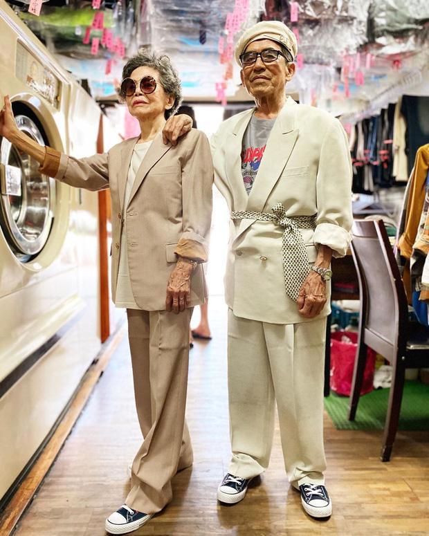 Ông bà chủ tiệm giặt ủi trở thành biểu tượng thời trang - 18