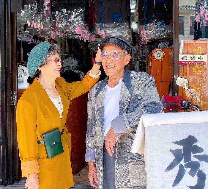 Ông bà chủ tiệm giặt ủi trở thành biểu tượng thời trang - 16