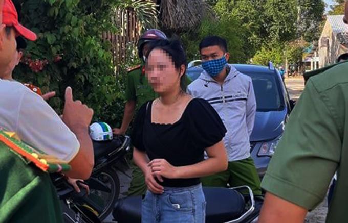 Một người Trung Quốc lưu trú tại Điện Bàn trái phép bị phát hiện chiều 18/7. Ảnh:Đại Quyên.