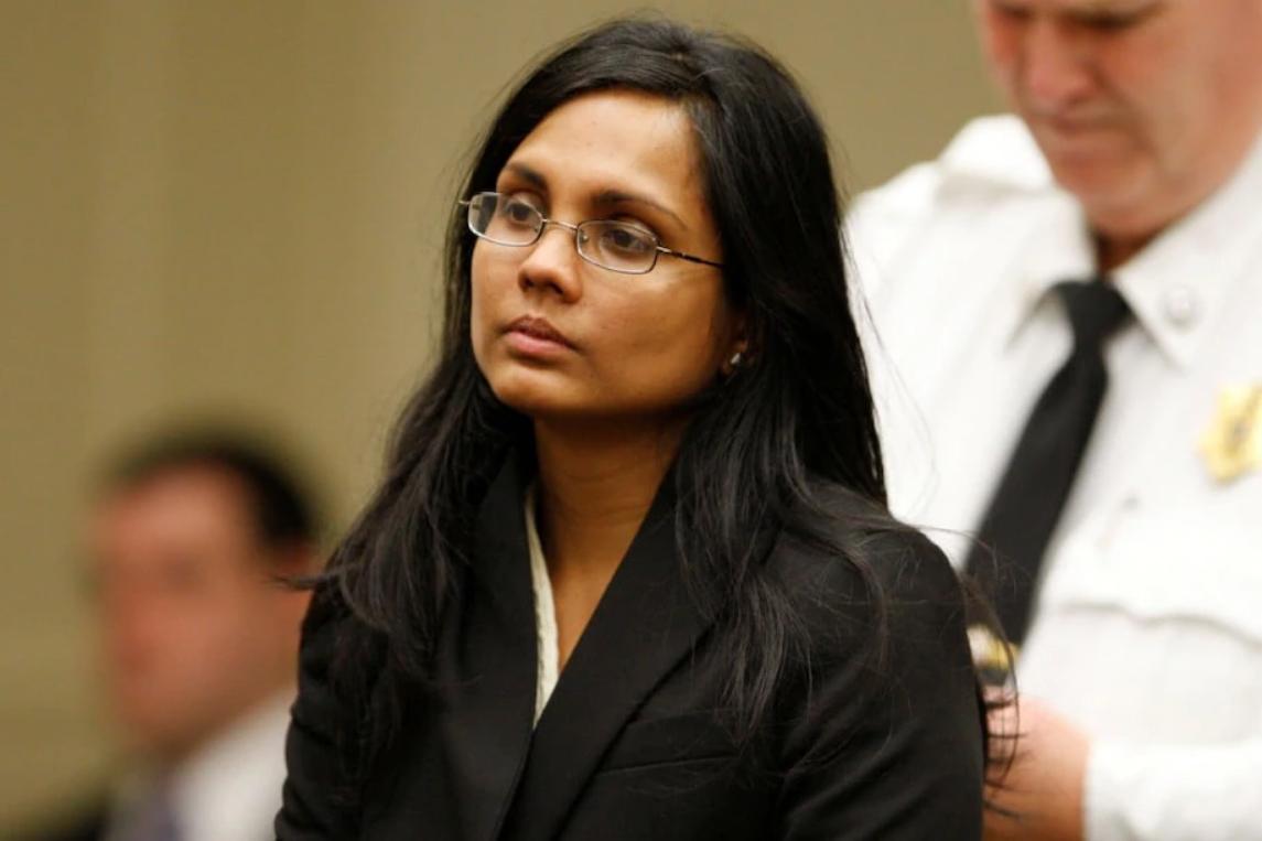 Annie Dookhan xuất hiện tại tòa để nghe đọc cáo trạng. Ảnh: Reuters.