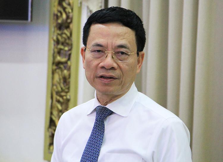 Bộ trưởng Thông tin - Truyền thông Nguyễn Mạnh Hùng phát biểu tại hội nghị. Ảnh: Trung Sơn