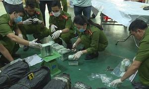 Chở 200 kg ma túy từ biên giới Lào về Sài Gòn