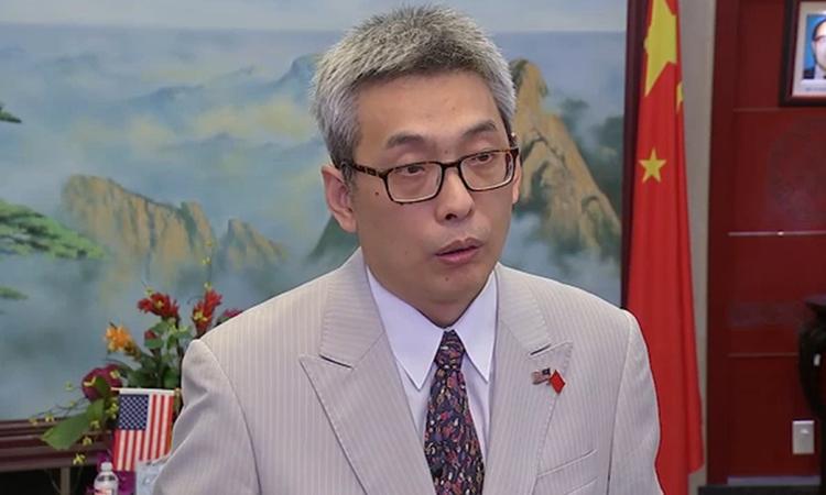 Tổng lãnh sự Trung Quốc tại thành phố Houston Cai Wei trả lời phỏng vấn hôm 22/7. Ảnh: ABC.
