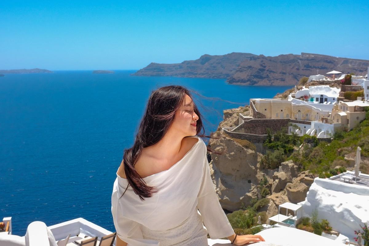 Bảo chi trong chuyến đi  Santorini, Hi Lạp. Ảnh: Nhân vật cung cấp