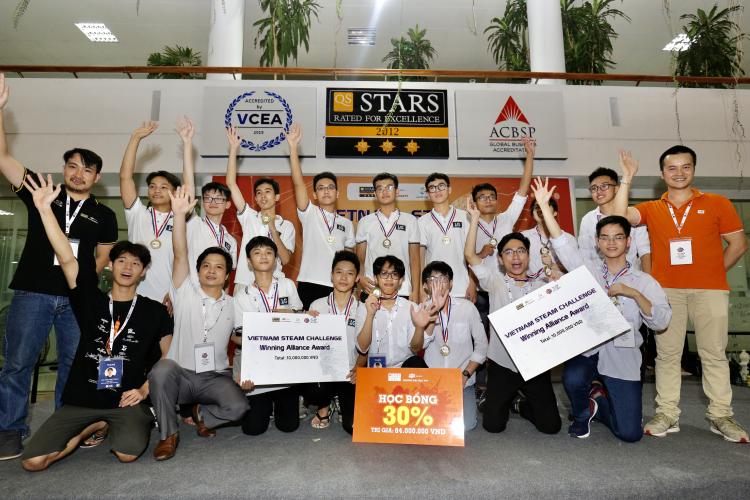 Quán quân cuộc thi robotics Vietnam STEAM Challenge 2020 - VnExpress