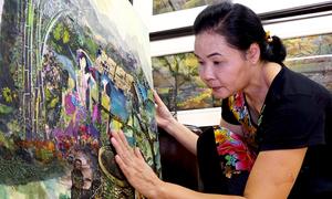 Họa sĩ 40 năm cắt họa tiết vải làm tranh