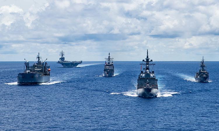 Chiến hạm Australia, Mỹ và Nhật Bản diễn tập tại Biển Philippines, ngày 21/7. Ảnh:US Navy.