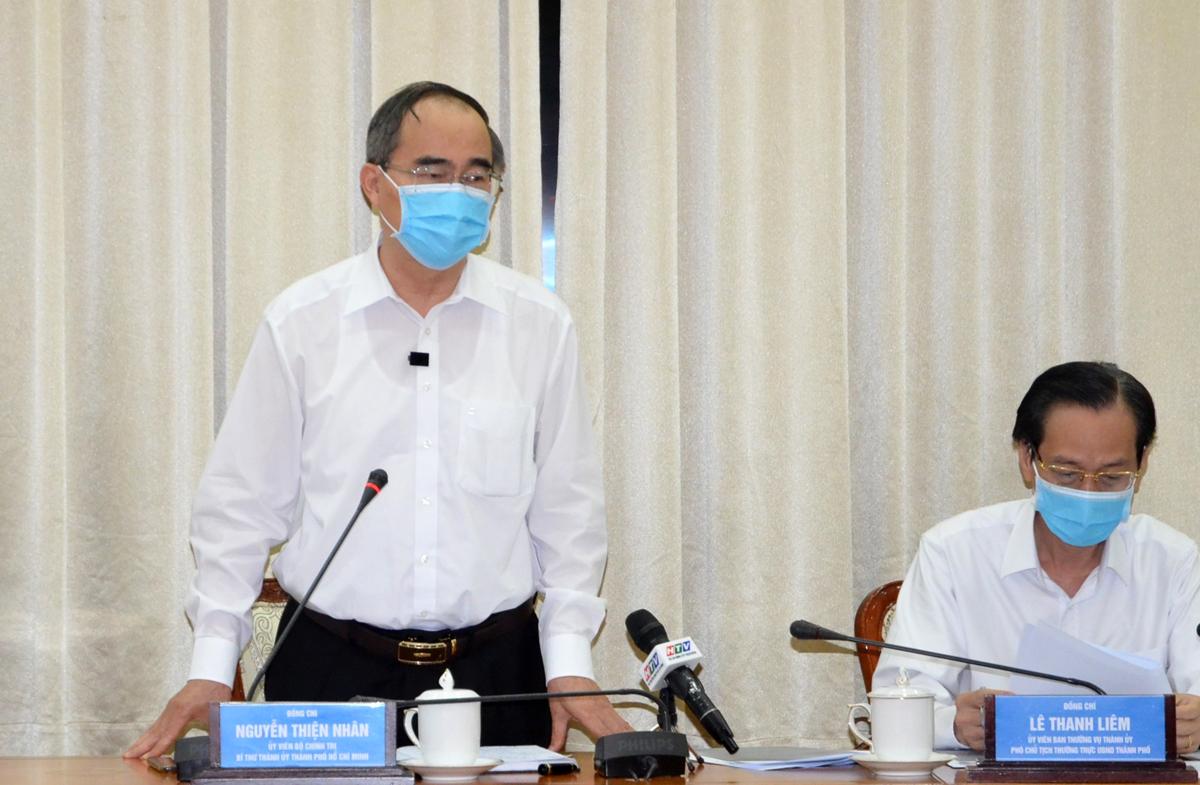 Bí thư Thành ủy Nguyễn Thiện Nhân tại cuộc họp Ban chỉ đạo phòng chống Covid-19 của TP HCM trưa 28/7. Ảnh: Trung tâm báo chí TP HCM.