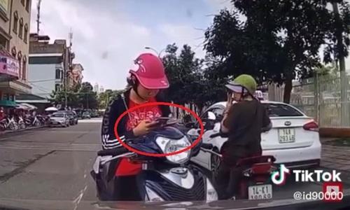 Đi sai làn, nữ Ninja bẽ mặt khi đối đầu ôtô - 2