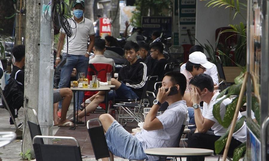 Nhiều người Việt bắt đầu chủ quan sau khi nới cách ly xã hội