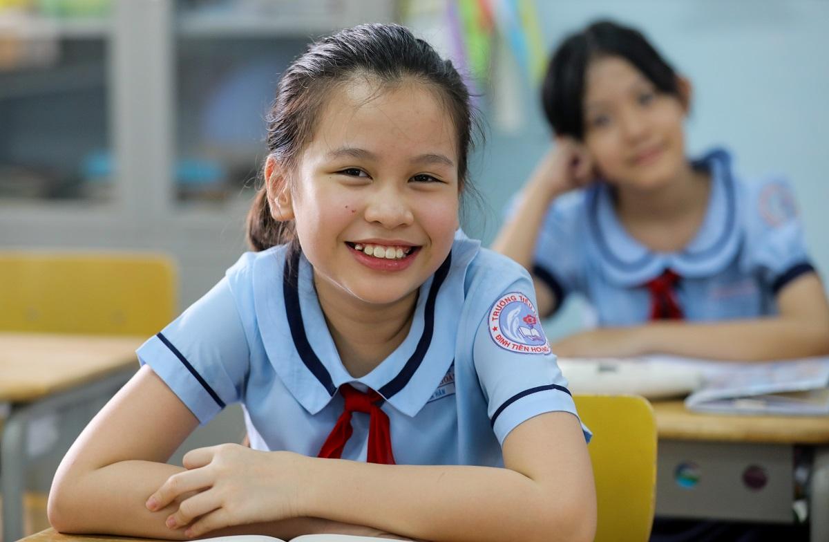 Học sinh TP HCM trong ngày đầu trở lại trường hồi tháng 5, sau hơn 3 tháng nghỉ phòng Covid-19. Ảnh: Quỳnh Trần.