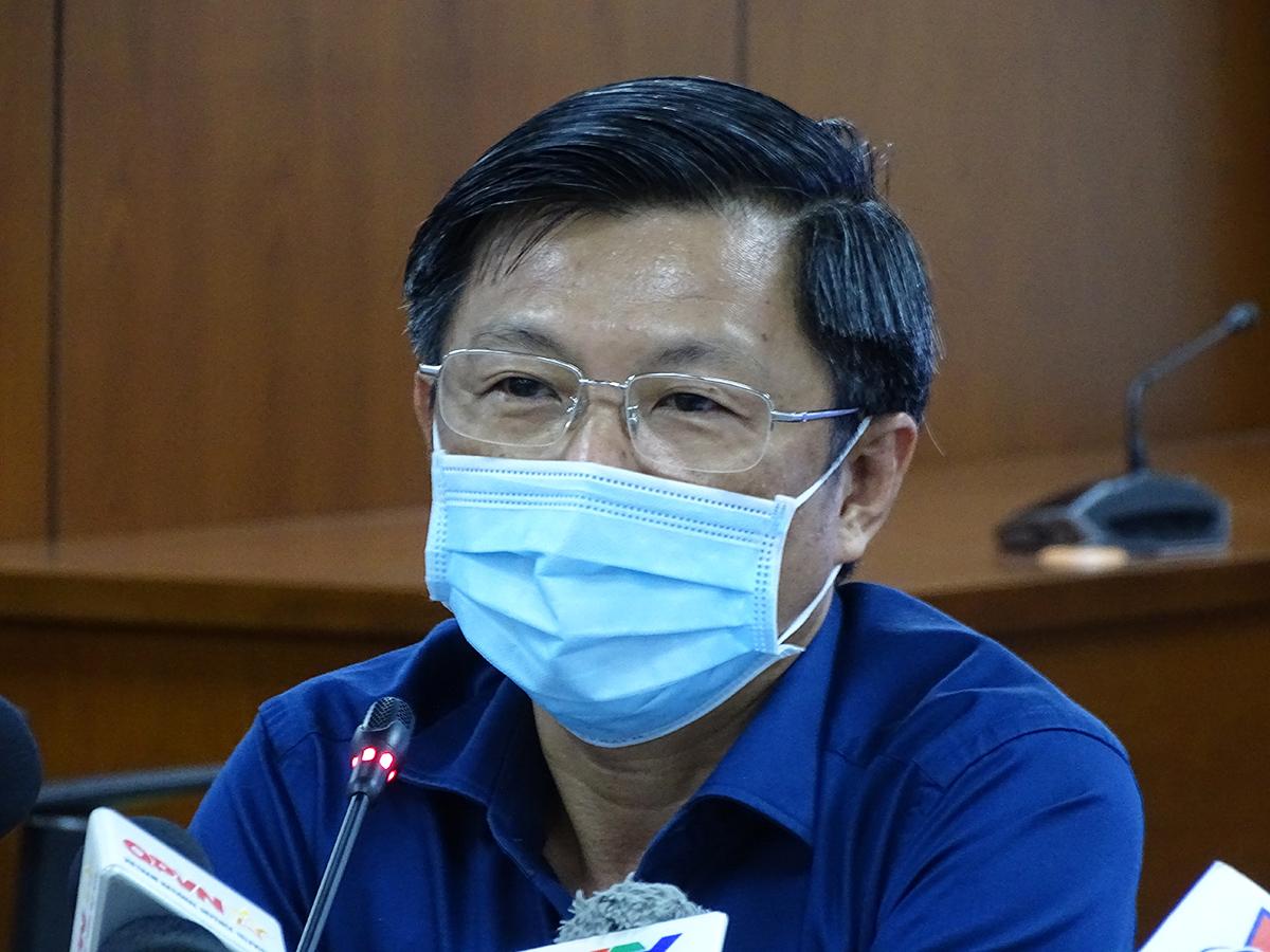 Bác sỹ Nguyễn Trí Dũng tại cuộc họp báo chiều 29/7. Ảnh: Hà An.