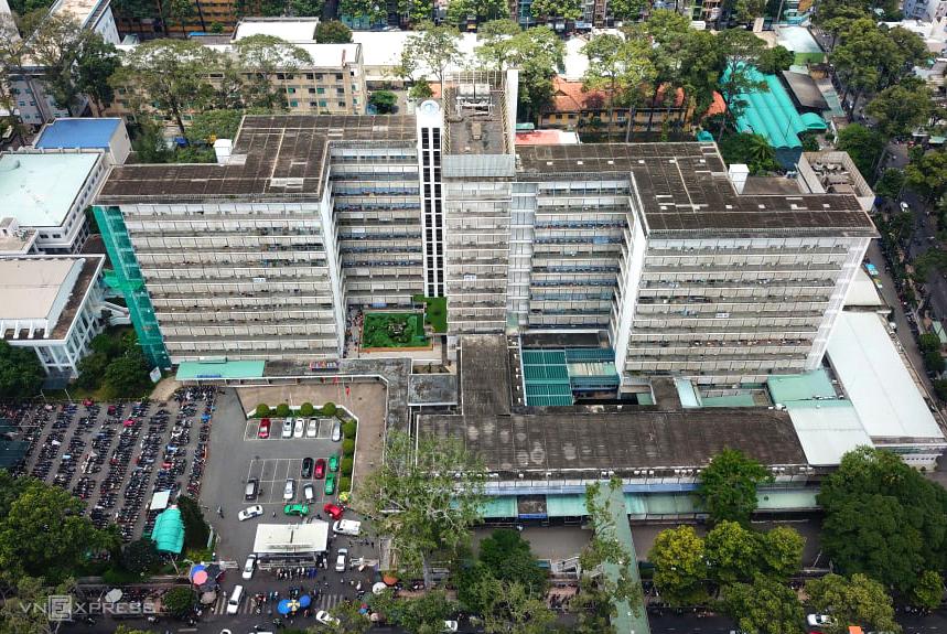 Bệnh viện Chợ Rẫy, nơi bệnh nhân 449 đến điều trị khoảng 10 tiếng, ngày 30/7. Ảnh: Như Quỳnh.