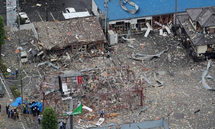 Hiện trường vụ nổ nhà hàng ở tỉnh Fukushima, Nhật Bản sáng nay. Ảnh: Mainichi.