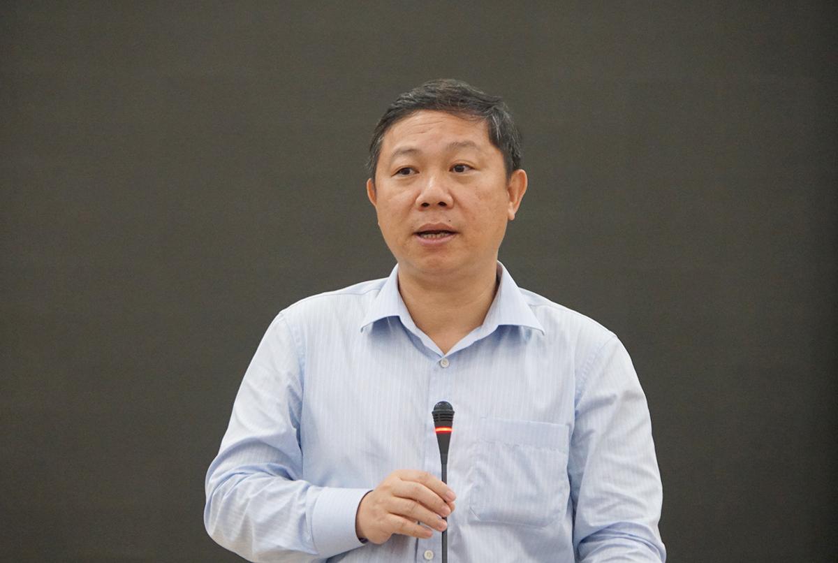 Ông Dương Anh Đức, Phó chủ tịch UBND TP HCM phát biểu tại cuộc hợp với Bộ Giáo dục và Đào tạo chiều 31/7. Ảnh: Mạnh Tùng.